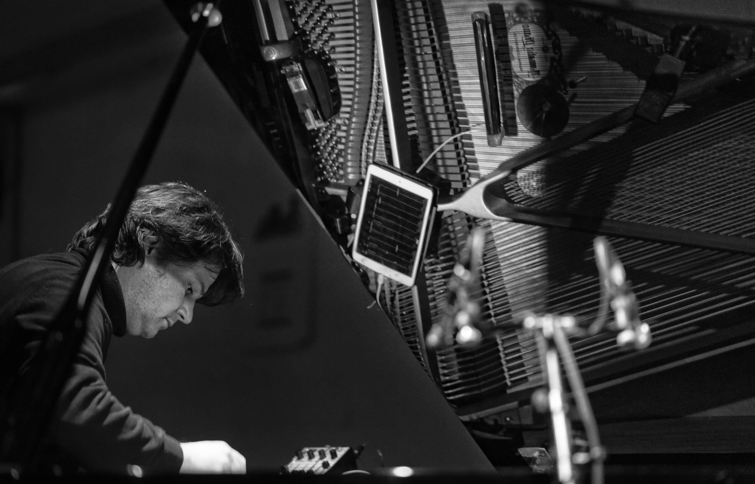 Sebastian Lexer with Piano+